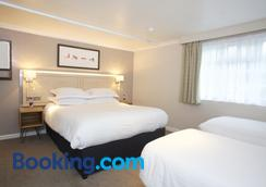 The Fisherman's Cot by Marston's Inns - Tiverton - Bedroom