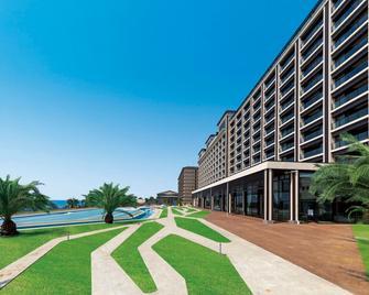 Ryugujo Spa Hotel Mikazuki Fujimitei - Кісарадзу - Будівля