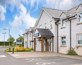 Travelodge Perth A9 - Perth - Building