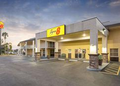 Super 8 by Wyndham Ellenton Bradenton Area - Ellenton - Building