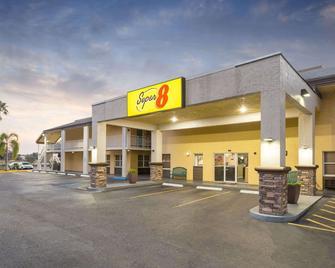 Super 8 by Wyndham Ellenton Bradenton Area - Ellenton - Building