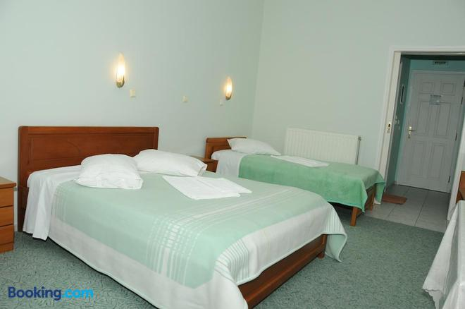 Costa-Rini Hotel - Leonídio - Bedroom