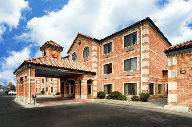 Comfort Inn & Suites Amarillo - Amarillo - Building