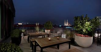 Adina Apartment Hotel Nuremberg - Nürnberg - Balkon