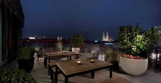 Adina Apartment Hotel Nuremberg - נורמברג - מרפסת