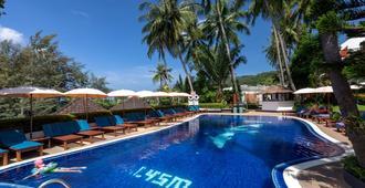 Best Western Phuket Ocean Resort (SHA Plus+) - קארון - בריכה