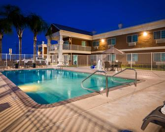 Best Western Americana - Dinuba - Pool