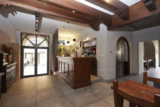 Residenza Ca' Tazzoli - Mantua - Front desk