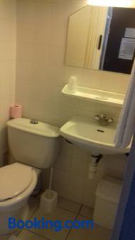 Hotel le Bon Soleil - Les Sables-d'Olonne - Bathroom