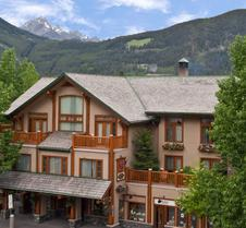 Brewster's Mountain Lodge