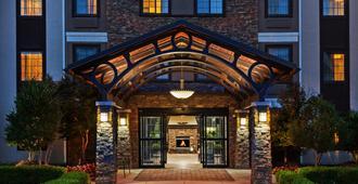 Staybridge Suites Tulsa-Woodland Hills - Tulsa - Edificio