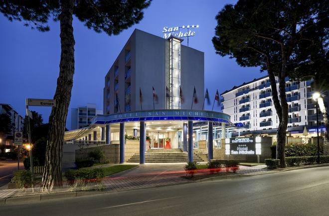 Hotel San Michele - Bibione - Building