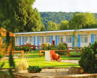 Sand Bay Holiday Village - Weston-super-Mare - Budova