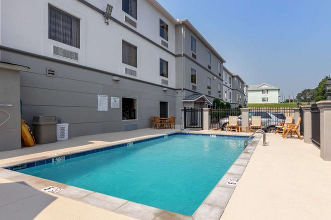 Sleep Inn & Suites Millbrook - Prattville - Millbrook - Pool