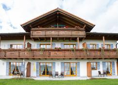 Berggasthof Hotel Weingarten - Prien am Chiemsee - Gebouw