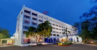 Srm Hotel Trichy - Tiruchirappalli