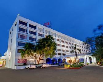 Srm Hotel - Tiruchirappalli - Building