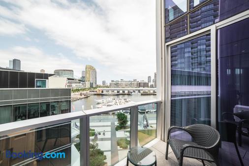 The Sebel Melbourne Docklands - Melbourne - Balcony