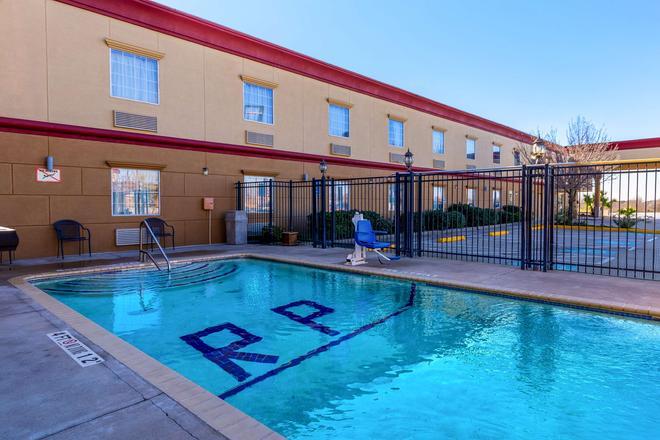 Americas Best Value Inn Temple Killeen - Temple - Pool