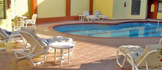 Hotel La Pinta - Ensenada - Pool