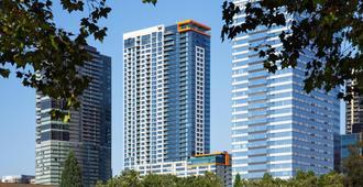 W Bellevue - Bellevue - Building