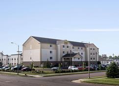主流套房酒店 - 俾斯麥 - 俾斯麥 - 建築