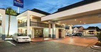 Baymont Inn & Suites Florence by Wyndham - Florence