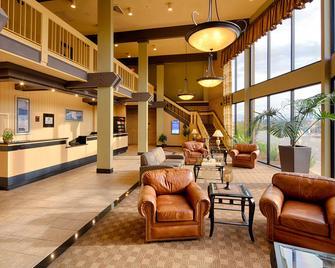 Red Lion Hotel Redding - Redding - Lobby