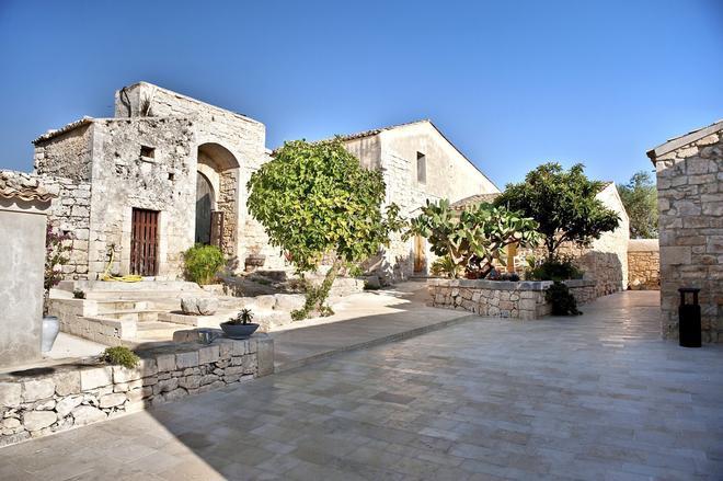 Borgo Alveria - Noto - Building