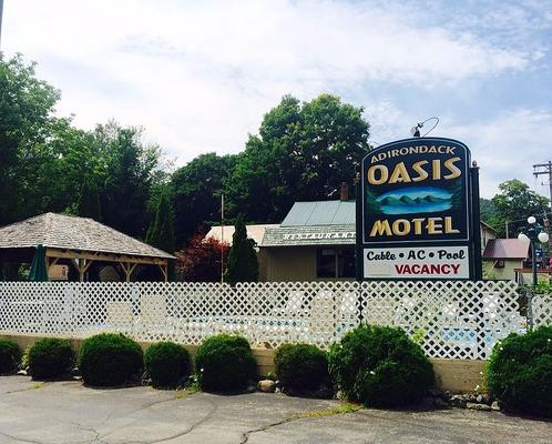 Adirondack Oasis Motel - Lake George - Κτίριο