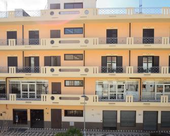 Hotel Tito Serranò - Melito di Porto Salvo - Gebouw