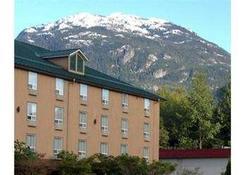 Mountain Retreat Hotel - Squamish - Gebäude