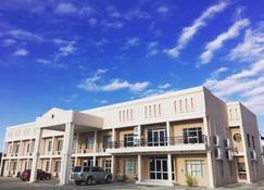 Adansonia Hotel Maun - Maun - Building