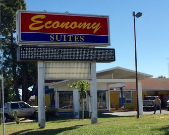 Economy Suites - Winter Haven - Edificio