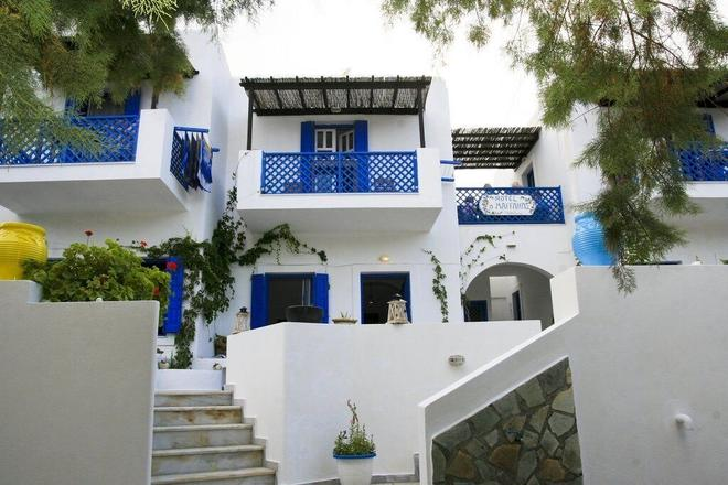 Maganas Hotel - Livadia - Building