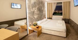 Park-Hotel Raya Garden - Veliko Tarnovo - Bedroom