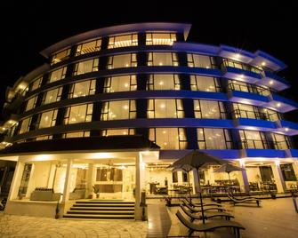 Himalayan Front Hotel By Kgh Group - Pokhara - Building
