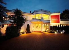 Aslan Kurpark Villa - Olsberg - Building