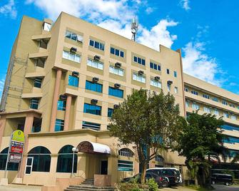 El Cielito Hotel - Sta. Rosa - Santa Rosa - Building