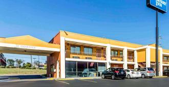 Rodeway Inn Prattville I-65 - Prattville - Building