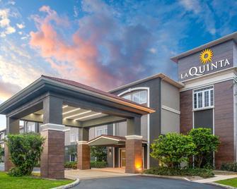 La Quinta Inn & Suites by Wyndham Sebring - Sebring - Building