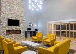 La Quinta Inn & Suites by Wyndham Sebring - Sebring - Sala de estar