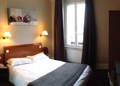 Logis Hotel des Bourbons - Montluçon - Slaapkamer