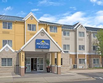 Microtel Inn & Suites by Wyndham Denver - Denver - Building