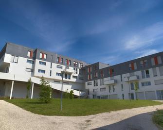 Zenitude Hôtel-Résidences Les Hauts du Chazal - Besançon - Building