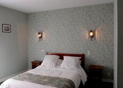 Le New's Hotel - Souillac - Bedroom