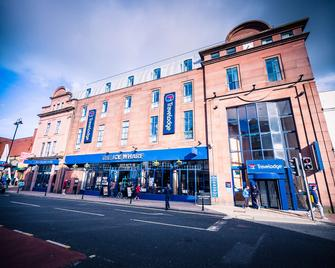 Travelodge Derry - Londonderry - Building