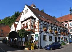 Hotel-Restaurant Straussen - Harburg - Gebäude