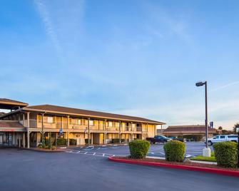 Best Western Cordelia Inn - Fairfield - Κτίριο
