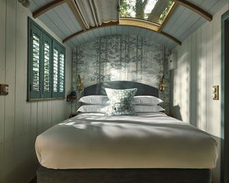 The Fish Hotel - Broadway - Bedroom